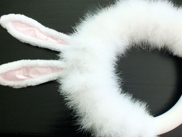 easter-bunny-wreath-step3.jpg