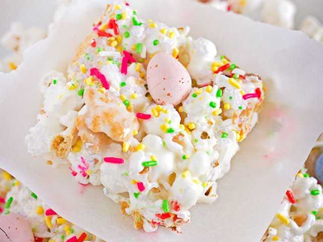 Easter-Bunny-Popcorn-Bars2.jpg